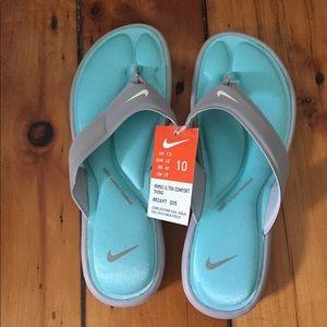 NWT Nike Memory Foam Flipflops Size 10